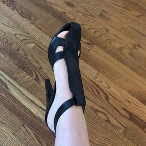 Derek Lam Shoes - 💥 SALE 💥 Derek Lam Leather Heels Size 9.5